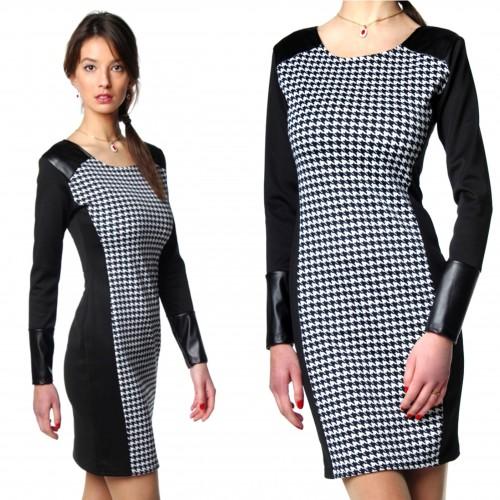 Sukienka panelowa wyszczuplająca w pepitkę P239