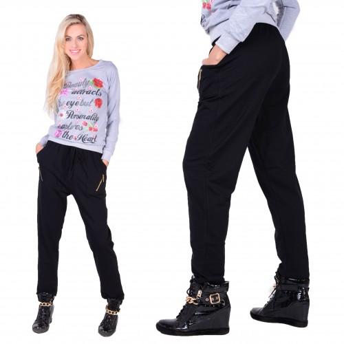 Luźne dresowe spodnie z gumką w pasie i regulowanymi troczkami P338