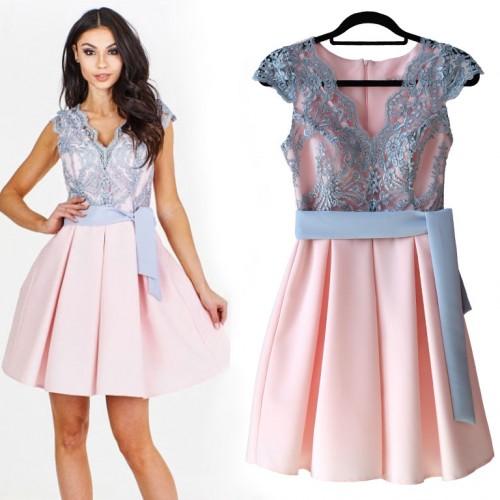 Sukienka z koronkowym gorsetem E13