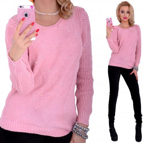 Ciepły sweter w serduszka z perełkami P629