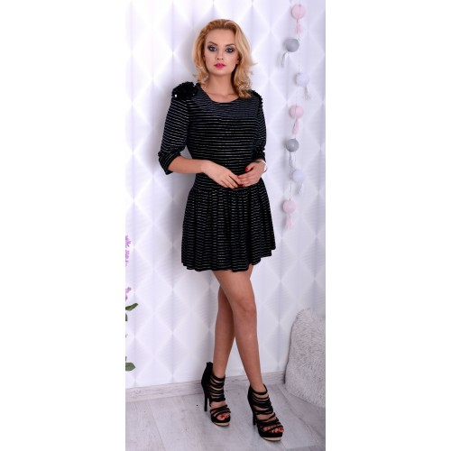 Lux sukienka mała czarna mieni się srebrem P205