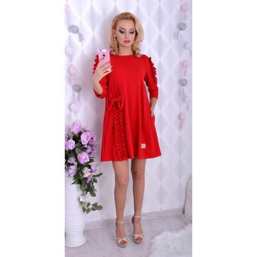 Czerwona sukienka trapezowa z kokardą