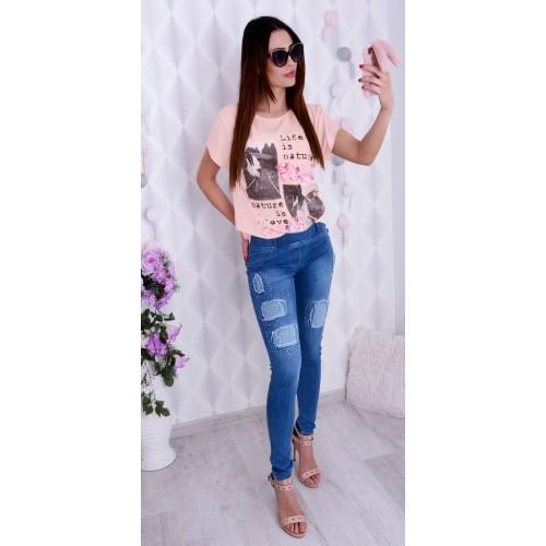Piękna bluzka z romantycznyn  motywem P691