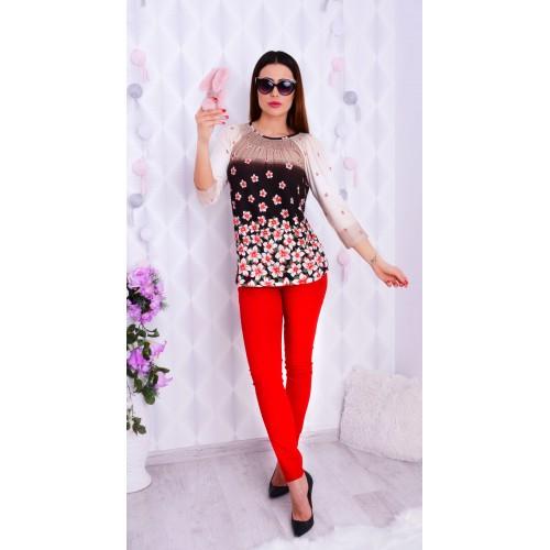 Modna bluzka w czerwone kwiatuszki P613