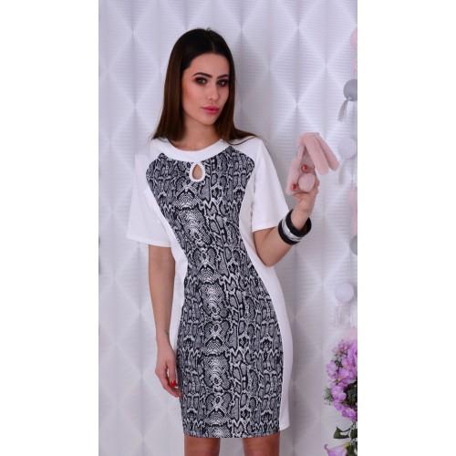 Dzianinowa sukienka z printem węża P833