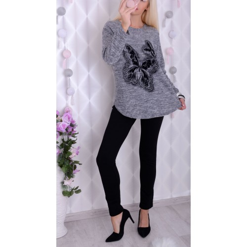 Sweterek z angorki z MOTYLAMI 3D P686