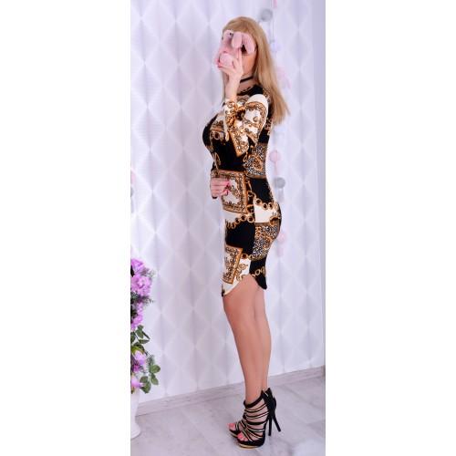 Najmodniejszy motyw sukienki w łańcuszki P241