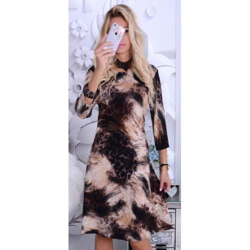 Modna sukienka rozkloszowana w cętki P248