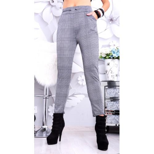 Eleganckie spodnie do biura w kratkę P363