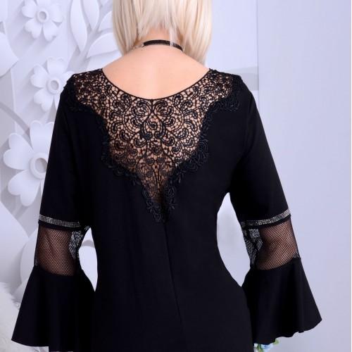 Sexy sukienka mała czarna z haftowanym tyłem P253