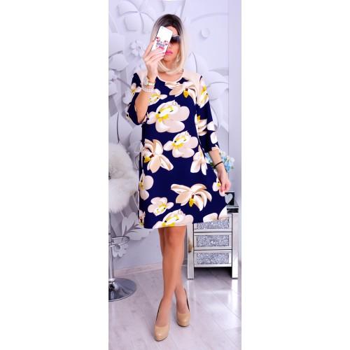 Modna sukienka w śliczne duże kwiaty P252