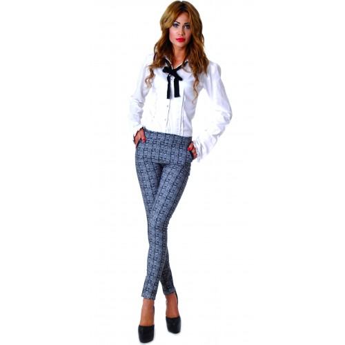 Eleganckie spodnie w modną kratkę P302